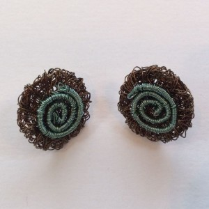 Round woven stud wire earring with spiral pattern