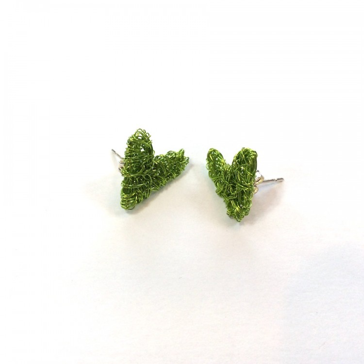 Small wire heart stud earrings