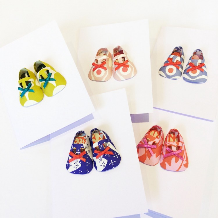 Baby shoe card